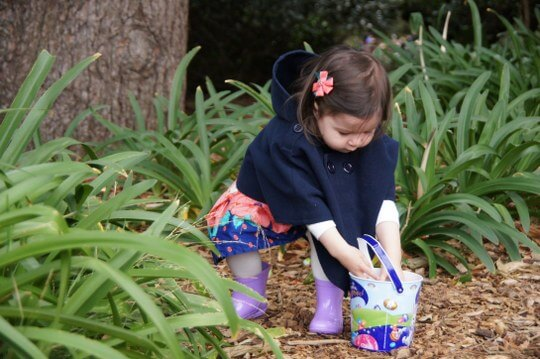 Whats on at easter in melbourne for families friday 25 march to cadbury easter egg hunt and family picnic werribee park k road werribee negle Images