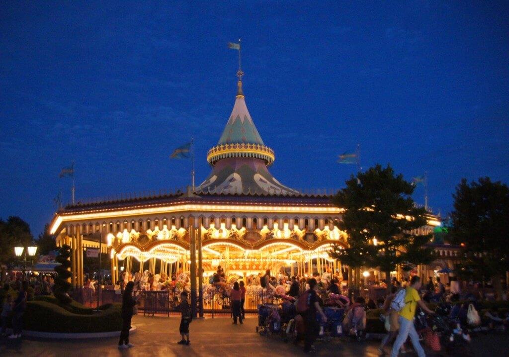 The hot list top 10 tips for visiting tokyo disneyland for Visit tokyo