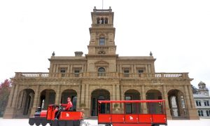 Little Red Train, Werribee Park Mansion, K Road, Werribee South + Giveaway!