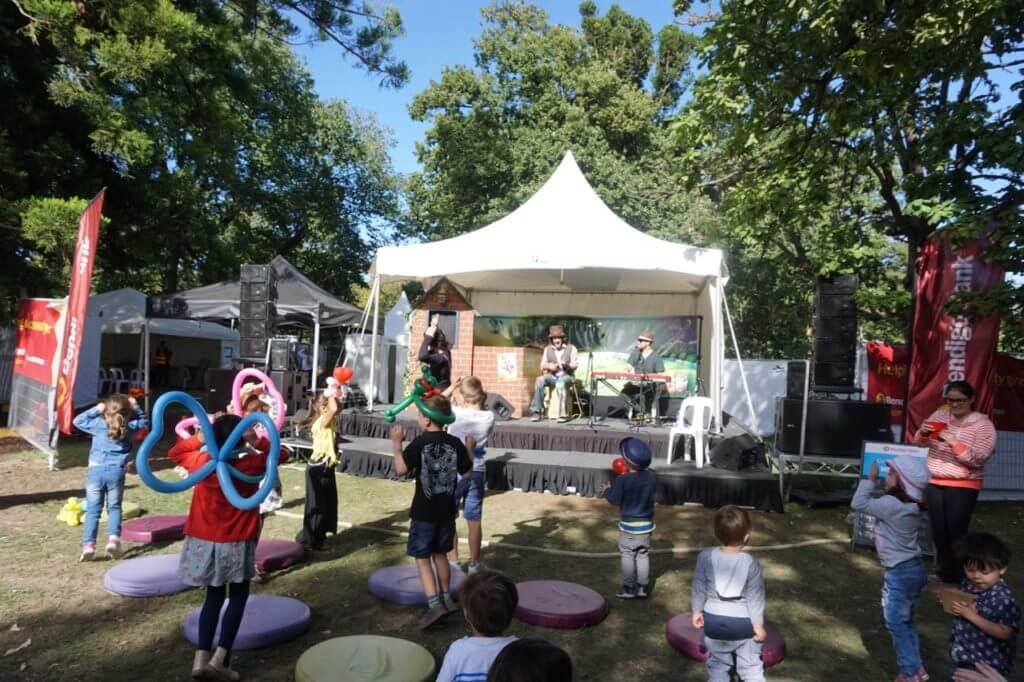 Bendigo easter festival tips for families kids tot hot or not bendigo easter festival negle Gallery